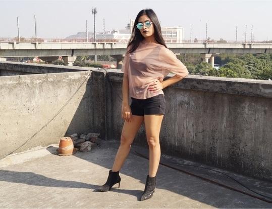 Hello There! #fashionblogger #delhiblogger #createbrain #khushbooaggarwal #summers #beyourself #bebold #boldness