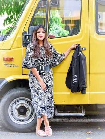 Week's goal 🗓 : Not to be busy, but to be productive! . . #wearasmilenow #kolkatafashionblogger #indianfashionblogger #ootd #ootdfashion #like4like #likeforfollow #inspiration #styleblogger #style #fashion #instagood