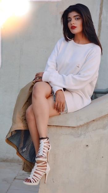 Website : www.valentinajd.com Youtube : V A L E N T I N A J D ______ Roposo : Valentina JD __________________ Tumblr : Valentina JD (vogue jd)  ___ Facebook : Valentina JD (missjdblogs)  Pinterest : VALENTINA JD _____________ . . . . #fashionblogger #indianfashionblogger #youtuber #ahmedabadblogger #stylist  #longnails #longhair #desigirl #beautyblogger #fashionista #indianyoutuber #makeuptutorial #styleblogger #indianfashion  #soroposo #roposoblog #streetstyle #indiwestern #makeuptransformation #ootd #roposofashion #valentinajd #makeup #fallfashion