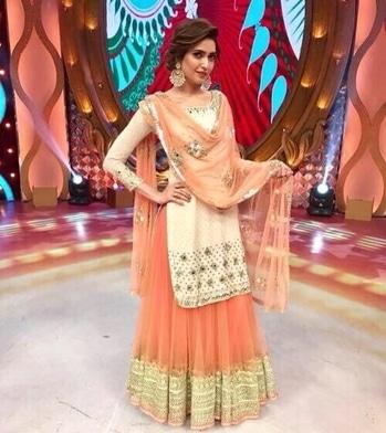 #indianstyleblogger  #indianethnicwear #usa#australia #japan #israel #fashionbloggerstyle #summer-fashion #fashionistadiaries #fashionblogpost #mystylemantra #stylestatement #styleblog #styles #ropo-style #design-style #women-style #designerwear #delhibeautyblogger #desi #desistyle #ootd #ootdroposo #trendycollection #trendingfashion #trend2017 #beauty #desiswag #desistyle #trendystuff #chic #chiclook #glamour #lehengacholi #wedding-lehnga #lehangacollection #lenghacholi #lengha #lenghascholionline #weddding #weddingdiaries #weddingreception #weddinglehenga #ethnic #ethnicfashion #ethnicdresses #ootdindia #roposostylefiiles #roposolove #indianwears #indianethnicwear #salwarsuit #salwar-kameez #salwarkameezusa
