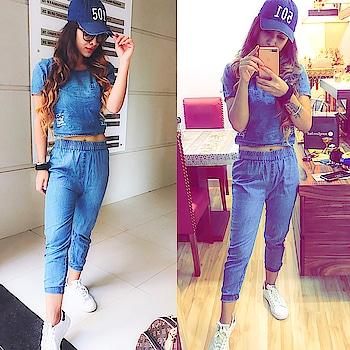 #wow #weekend at #lonavla 😍😍💃in #myfavorite #denim : #happyweekend #lookbook #lookoftheday #denim #denimlove #casualstyle #casuals #casualoutfit #sundaylook #stylegram #sexy #levis #denimcap #whitesneakers #adidassuperstar #adidas #fashionista #fashionstyle #fashiondiary #weekendfun #nehamalik #model #actor #blogger
