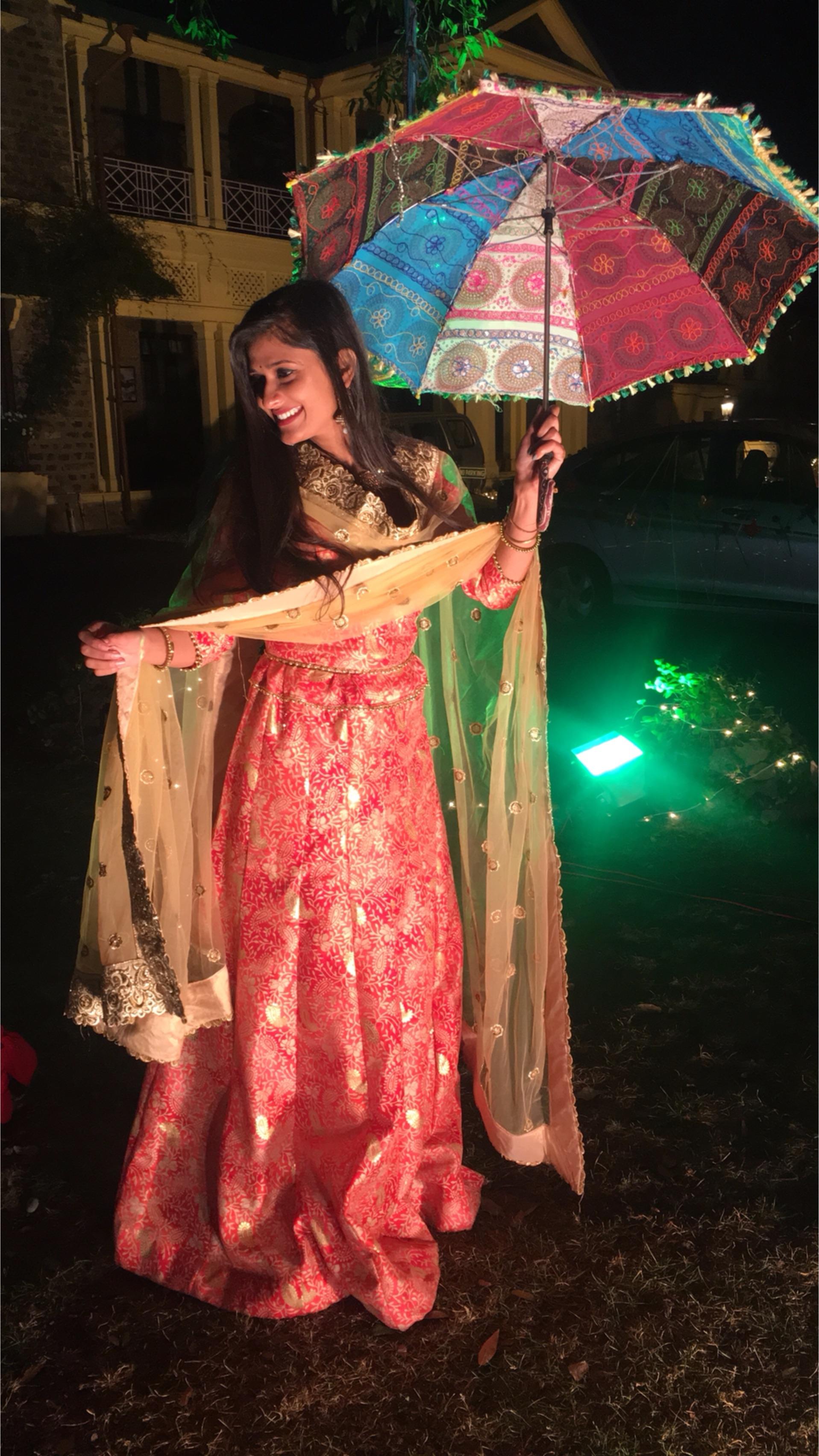 #weddingseason #ethnic-wear #fashionbloggerindia #lehenga #golden #red #roposo #roposo-style