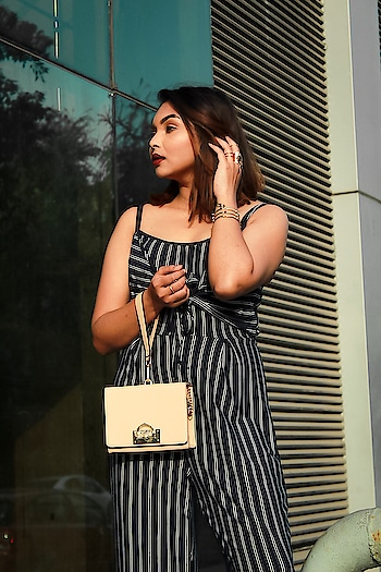 Whatever you're, be a good one. 🌺 Good Night Fam 🌟 . . Corporate look from @snobbox  . Photographer @prarthanasingh_  . . . . . . #look #lookbook #fashion #fashionblogger #style #styleblogger #love #beauty #beautybloggers #plixxo #popxodaily #makeup #blue #corporate #corporatelook #india #indian #blogger #blog #delhi #delhiblogger #snobbox #vintage #jumpsuit