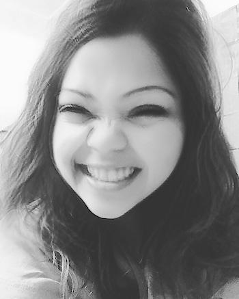 Can you see a tiny dimple on my right cheek?? Good morning world..!! #hercreativepalace #influencer #blogger #kanikasharma #delhi #india