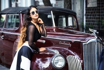 A girl should be two things: Classy and Fabulous... ✌️😍😍 : #classy #sexy #hot #vintagecar #vintage #beauty #classapart #simplybeautiful #awesome #love  #lovingit #poser #queen #carlove #carlover #vintagestyle #stylish #fashioninsta #indianblogger #nehamalik #model #actor #stylo #blogger #mumbai  : Photography @kapilcharaniyaphotography