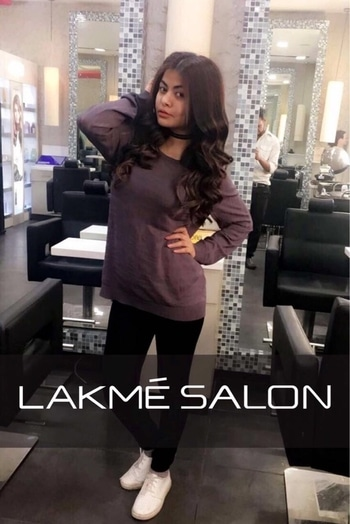 Here's to being transformed and HAPPY! Check out my amazing hair/look for this party season! Get your party look too at @LakmeSalon. Use my code DPHNY17 on https://www.lakmeindia.com/lakme_salon/happy-new-you/ to avail additional discount on your HNY package. . . . . . . . . . . . . #lakmesalon #hairtransformation #getitdone #lakmehair #slimthick #KABSHOPPE #DeepikaButola #ootd #fashioninspo #goalsaf #fashiondiaries #delhiblogger #indianblogger #hairlove #slimthickgirls #haircare