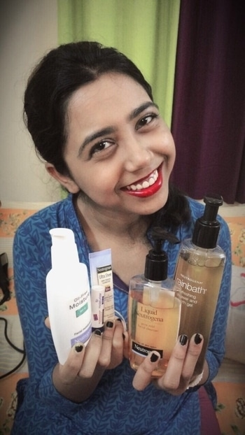 Stay Fresh This Summer With Neutrogena!! Summer is already there & sweating us all with its presence. The fashion wouldn't be compromised for this but necessary steps are must. Hence I present to you 5 Neutrogena must-haves this summer. 1. Neutrogena rainbath refreshing shower & bath gel - MRP ₹399 for 250ml 2. Neutrogena pure mild facial cleanser - 299 for 150ml 3. Neutrogena Oil-free Moisture SPF 15 - MRP ₹399 for 115ml 4. Neutrogena Ultra Sheer dry-touch Sunblock SPF 50+ - MRP ₹199 for 30ml 5. Neutrogena Lip Moisturiser SPF 15 - MRP ₹149 for 4gm  Happy Summer 😊 #soroposo #summermusthaves #neutrogena #neutrogenaindia #summerready #skincare #summerskincare #makeup #makeuplove #kolkatafashionblogger #kolkatastyleblogger #instapic  #summers #hashtaggameon