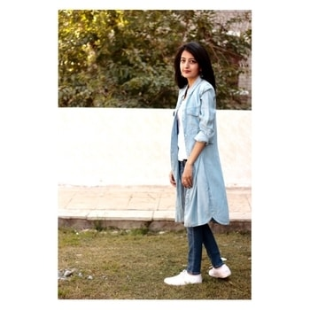 New post with denim layering is now live ❤️ Link in the bio 🌺🙋🏼 . 📷- @unnatiwantsyourwifipassword  . . #howilikeit #howilikeitjournal #fashion #fashionblogger #blogger #delhiblogger #indianfashionblogger #denimondenim #denim #denimlayering #shirtdress #denimshirtdress #denims #levis