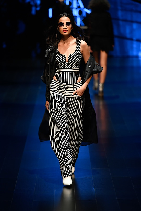 Siddartha Tytler at Lotus Make-Up India Fashion Week spring/summer 2019 🖤
