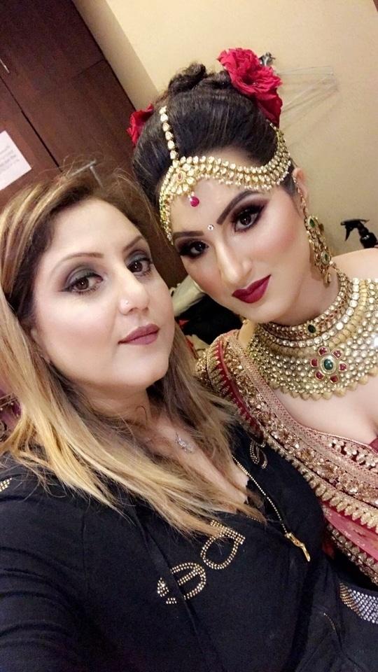 Bride with perfect Elegance #meenakshidutt #meenakshiduttmakeoversdelhi #mua #muadelhi #muaindia #makeupguru #makeupartistindia #makeupartistsworldwide #makeupartistdelhi #indianmakeup #indianmakeupartist #bride #bridallook #bridalmakeup #bridalmakeupartist #bridallehenga #indianbride #indianbridalmakeupartist #weddingmakeup #beautifulbride #beautyexpert #hairandmakeupacademy #hairandmakeupstudio  #makeup