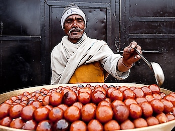 #Savory gulab jamuns from #Chandnichowk, #olddelhi. PC: Popeyee, Flickr #food #love #yumm #eat #delicious #India #incredibleindia #indianfood #foodporn #foodie #chefmode #photooftheday