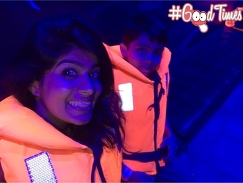 When we went to look out for the sharks 🙄 #dubai #underwater #sharks #travel #traveldiaries #style #lifejacket #roposotravel #travelblogger #summer #family #roposolove #roposofeed #dubaidiaries #dubaivacation #ootd #selfie #travelselfie #fashion #casualstyle #selfienation #potd #goodtimes #adventure