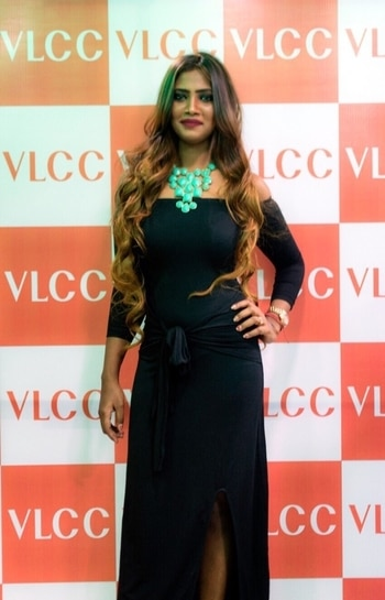 #vlccindia #vlcc #vlccmodel #vlcc event #model #pressconference #posing #blackdress #longhair #curlyhair  #ropo-fashion #fashion week       #fashion show           #fashion blogger  #fashionlover #fashionmoments #ropo-style #roposotalks #roposo-makeupandfashiondiaries #roposo-fashiondiaries #roposo-fashion #keepitstylish