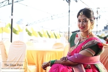 The Maharashtrian Bride 👰 💄 She choose to be Simple yet it turned out Beautifully well ✨✨  #TGDmakeovers #theglamduet #theglamduetbrides #wedding #indianweddings #indianbrides #lookamillion #maharashtrianwedding #maharashtrianbride #weddinginspiration #indian_wedding_inspiration #makeupandstyling #roposotalenthunt #dressyourface #dressyourfacelive #brian_champagne #featuremuas #wakeupandmakeup #makeupdolls #makeupartist #makeupartistworldwide #bigfatindianweddings #wedmegood #urbanclapweddings #makeovers #brides #staytuned