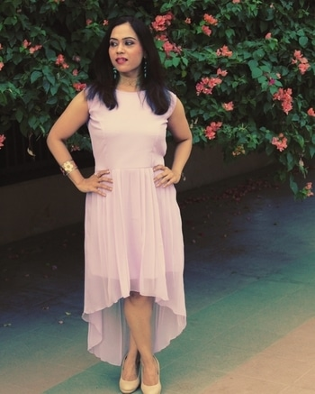 Lavender Summers ft. @sareez 👒. So in love with this gorgeous high-low sleeveless lavender number from @sareez  which you can easily wear to a party as well a casual brunch date.  To know more JUST CLICK THE LINK IN THE BIO 👆 . . . . #bespokegrub #indianblogger #lucknowblogger #lucknowbloggers #bloggersworldwide #lifestyleblogger #fashionstyle #fashionblogger #sareez #partywear