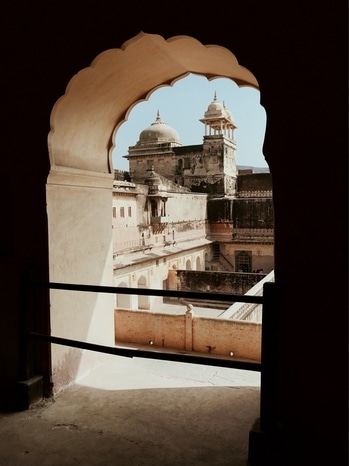 Beautiful Amer through my eye.Cant get enough of it.#travel #jaipur #amerfort #incredibleindia #travelblogger #travelphotography #explore #exploretheworld #wanderlust #potd #beautifulmoments