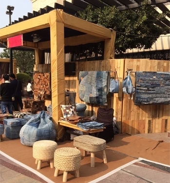 Came across some really trendy pieces of furniture, wall hangings, textiles & home decor at the @el_luxurio stall exhibit at the @dlfpromenade flea market! Some really quirky, statement pieces....must visit ✨ . . . #furniture #home #homedecor #decor #denim #fleamarket #dlfpromenade #picoftheday #potd📷 #design #lifestyle #lifestyleblogger #trends #postoftheday #delhi #delhi_diaries #delhiblogger #mumbai #bangalore #indianfashionblogger #roomdecor #inspiration #designinspo #lookbook #interiors #interiorstyling #designblogger #interiordesign #deesayz