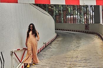 A lady with Goals is a lady on fire 🔥 . . PC: @rj_rajat_onair . . #airasia #radiocityjaipur #jaipur #jaipurbloggers #travel #travelblogger #love #wanderlust #travelphotography #travelgram #traveller #kualalumpur #kualalumpurcity #Malaysia #Kldiaries #bhukkadfam #fabebg #cadrebloggers #follow #lifestyle #treasuremuse ❤️ #roposo #roposoinfluencer #roposolove