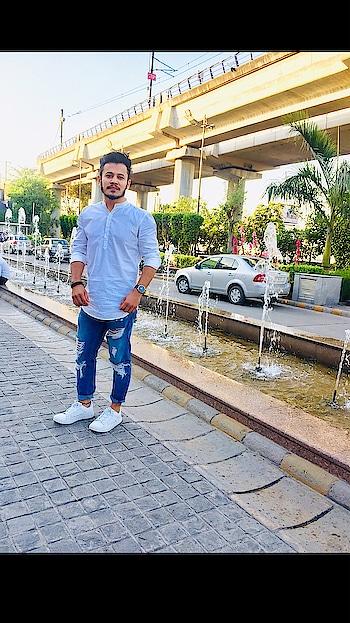 A year older. A year bolder 🔥 @iamchetnapande ❣️ . . . . . . . #fashion #fashiongram #fashionables #roposo #soroposofashion #roposofashionblogger #roposofashiontips #styles #roposostyle #casual #fashion-style #roposoness #menswear #blogger #bloggersofindia #delhifashion #delhilifestyleblogger #delhifashionblog #delhifashionshoots