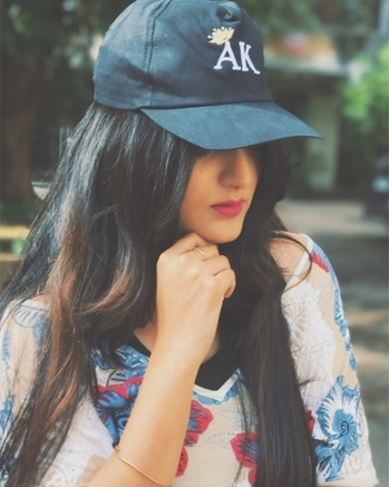AK 👑 Customize your own cap at @krazideas 💯 Many more things to customize for urself, friends or love 🎈 #fashionblogger #customizedcap #blogger #mumbaiblogger #theglamtoast #soroposo