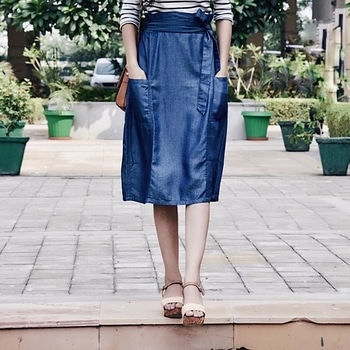 "Waist Wrapping or the very well known ""Paper-bag style skirts/pants, took the runway by storm in SS17. One of the loved trend of 2017, if you haven't tried it yet, you are really missing onto something. Wearing @vajor Paper-bag style waistline skirt in Tencel Denim fabric. Stay tuned for more. ___________________________________ #Indianchic #KiranKhokhar #Vajor #DelhiFashionBlog #PersonalStyle #Dailyoutfitinspiration #DelhiBeautyBlogger #DelhiLuxuryBlogger #LuxuryBlogger #DelhiTravelBlogger #GlobeTrotter #DelhiStylist #DelhiLifestyleBlogger #OOTDinspirations #SoloTravelBlog #AboutAlook #lookbook #instastyle #stylish #streetstyle #fashionista #fashionblogger #instafashion #ootd #ipreview"