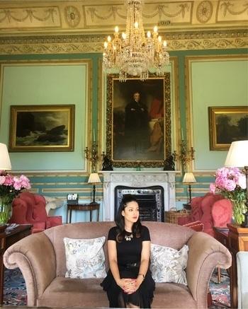 Royal 👑   #swintonpark #allblack #ootd #travel #ispeakwhatyoulove #roposo #outfitpost #ukdiaries