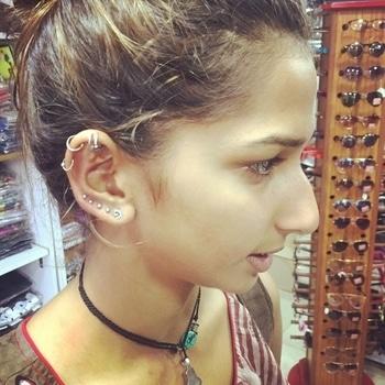 #helix #upperlobe #graduatedlobepiercings #piercing #piercings #pierced #bellyrings #navel #earlobe #ear #photooftheday #bellybuttonring #lipring  #modifications #bodymods #piercingaddict #bellybar #bellybuttonpiercing #als #tattoo #studio als #clothes #accessories #bodypiercings #alscurlupanddye #bandra #west #hillrd #india #mumbai #maharashtra