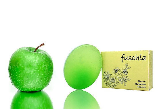 For all those who can't live without #greenapple . The goodness of fruit,  enriched in #natural #handmade #soap which is devoid of harmful chemicals like #sls #parabens #phthalate .  #fuschia  #madeinindia #bathtime #crueltyfree
