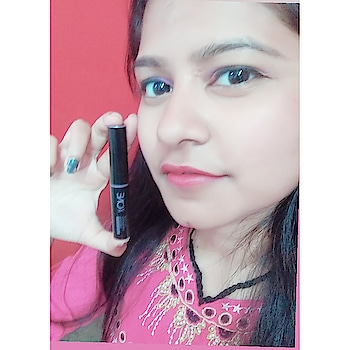 "try this ""THE ONE"" lipstick @oriflameindia  #loveoriflame #oriflameindia #oriflamelipstick #roposo-pic @oriflameindia  @roposoco"
