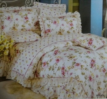 Flora pure cotton coordinate comforter set  Size : 90* 100  Quality : pure cotton 210 TC Summer perfect collection  Rate - 2890 Shipping extra  09559285742