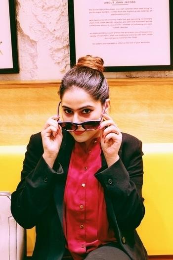 #nehhapendse #patakha  #ootd #attitudepersonified #styledbyme #fahsiondiaries #delhiblogger #lifestyleblogge #stylingtips
