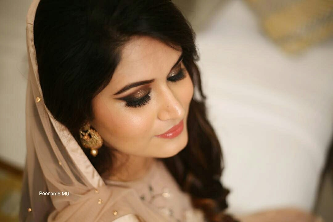 Mesmersing bride on her Engagement