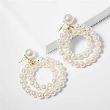 Looks like a Pearly Thursday 🛍️  https://www.theredbox.co.in/en/product/pearl-circuit-earrings/?v=c86ee0d9d7ed . . . . . #theredbox #ootd #pearlearrings #fashionpost #trending #lookoftheday #photooftheday #earringsoftheday #celebfashion #instagood