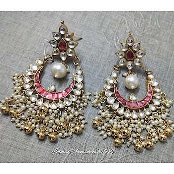 Sabhyasachi inspired jadau jouels 💞  For Bookings  Whatsapp - 7503577614  Call -9250236640  #silver #puresilver #heritage #silverexclusive #intricate #holiday #silverjewellery #silverlove #indianbeauty #makeup #mua #silversmith #indialove #worldjewellery #oneofakind #handcrafted #bloggers #handmadejewellery #indianbloggers #ig_india #celebstyle #madeinindia #statement #dubai #nothingordinary #delhi #mumbai #pune