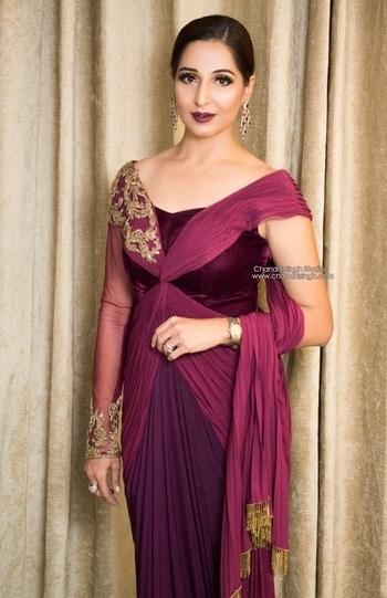Wine lips with a gorgeous wine outfit fm Kamaali couture 💁♀️ @kamaalicouture . Sleek hair to complete the look 👄 Jewellery by Mahira jewels @mahirajewels ------------------------------------------------------------------ Chandni Singh studio, E 16, Upper Ground floor, Hauz Khas, New Delhi 110016 /  9961263666 ------------------------------------------------------------------- ➡️Snapchat id - chandni.singh⬅️ ------------------------------------------------------------------- #makeup #makeuplove #makeuplovers #mua #bridalmakeup #bridalmakeupartist #indianbride #bride #csbride #chandnisingh #chandnisinghstudio  #smokeyeyes #lashes #winelips #bridalmua #makeupartist #youtuber  #proarte