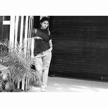My love for Summer's boyfriend jeans ...no more sweaty legs 😝😝😝👻 #fashion . . . . .  #fashionblogger #photography #blackandwhiteisworththefight #blackandwhite #style  #beauty #hairstyles #shorthair #invertedbob #offshoulderdress #cute #short #hair #hair #haircut #blackhair #stripes #white #stylist #hairstylist #statment #pink #boyfriendjeans #ootd