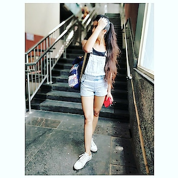 There is none other than one 💁💁 . . . . . . . . #BabesOfSBL #mastandharbour #amazon #lifestyle #reliance #fashionblogger #blog #stylediaries #indianfashionsquad #thespeakingportrait #OOTD #fashionstyle #fashionblogging #blogger #bloggerlife #styleblogger #lookbook #fashiontrend #roposo #roposobabe #POPxoDaily #bloggersofindia #SDMDaily #WFB #ThisIsNewLook #TheFashionistasDiary #myntrafashion