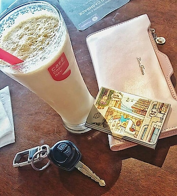 How much I love the aesthetics of this table! #CCD . . . . . . . . . . . . . . . . . . . . . . . #coffee #coffeeaddict #coffeepictures #ilovecoffee #ccd #coffeebuddies #butfirstcoffee #food #foodporn #foodgasm #foodie #foodblog #foodblogger #foodstagram #instafood #instacoffee #indianfoodblogger #foods #foody #foodtrip #food52 #foodieblogger #foodieporn #coffeeshops #coffeetime☕ #puneblogger #punefoodblogger
