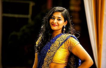 #sistersweddingday #indianculture #indianethnic #indianwear #designer-saree #ethnic-wear #ethnicity #weddingjewelry #weddingdiaries