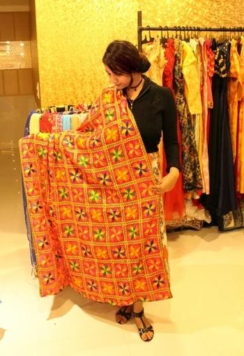 #phulkari #phulkaridupatta #handcrafted #embroidery #bohostyle #bohofashion #india-punjab #styleblogger #fashionblog
