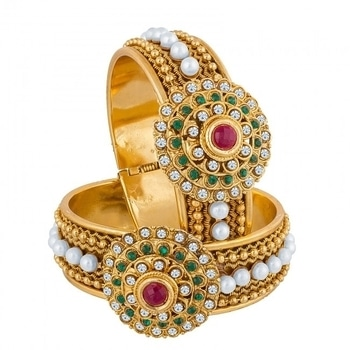 Up your jewellery game with this classy pair of kadas from The Luxor.  COD Available Free Shipping  Easy Returns  Buy Here:Product Code: BG-2082  Price:Rs. 599.00  #WedLista #FashionForWeddings