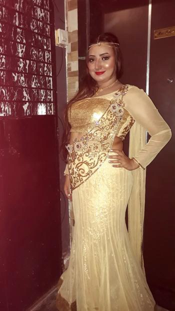#damni#jewellery#sharara#makeuponpoint#highlightonfleek#boldlips#makeuplover#makeupbyme#flawless#hudabeauty#hudalashes#eyeshadow#eyeshadowonpoint#eyebrowsonfleek#blending#designerwear#indianwear#lovetheflow#longhair#naturalhair#naturallonghair#longhairdontcare#lovetopose#goldenbeauty#girlingold#lovegold 💛