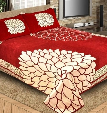 New panel Chineel bedcovers Size 240.250 Fully panel Golden PRINTS Four side borders Heavy VELVET Weight 2900g  1250 Shipping extra  09559285742
