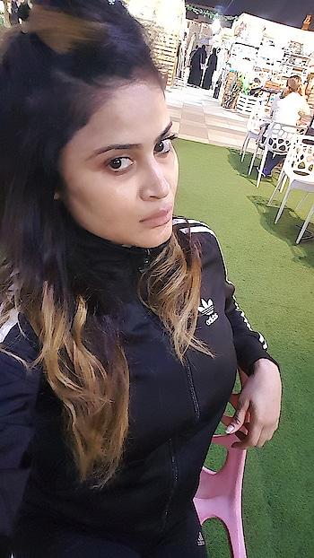 #selfie #selfiemood #instagram #insta #fashion #style #nofiltersneeded #selfiequeen👑 #adidas #dubai #roposo-style
