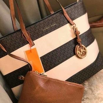 #mkbags   for order dm or 7503848020 #mkbags #michaelkorsbag #bag #bagcollection #bagshop #bagsforlife #classy #classylook #onlineshop #online #thebazaar #westernwear  #bags