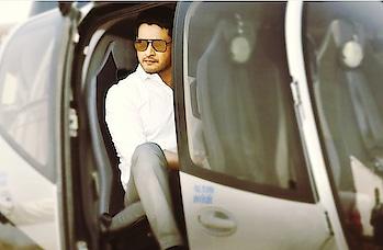 #mahesh #prince #princemaheshbabu #maheshbabu #whiteshirt #plane #spects love #spects #formals #bharatanenenu