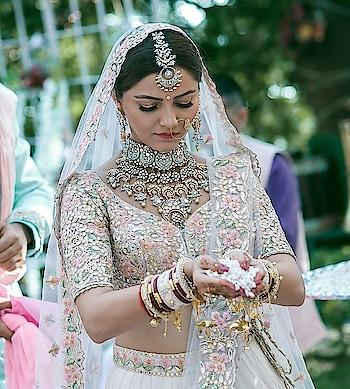 @choti babu  #roposo #roposo-style #roposobride #pinklehenga #wedding-bride #bollywoodfashion