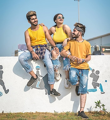 SUMMER SQUAD ! WITH - @kartavya_makwana @meghna__bam . . Shot by - @thedaydreamstudio . . #thestyledweller  #tsdfam #style #summer #trend #content #yellow #blue #streetstyle #menwithstreetstyle #fashionblogger  #menswear #fashion #summerfashion #menssummerfashion #fashioninfluencer  #suratinfluencer  #suratblogger  #indianblogger  #indianinfluencer #surat #india