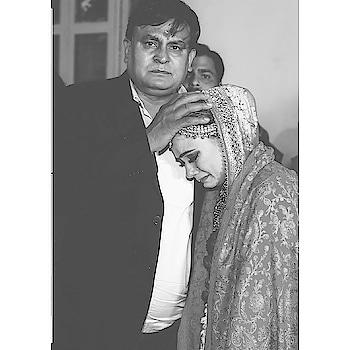 #sevensware #weddingphotography #weddingphotographer #weddingstyle #weddingday #candidweddingphotography #lovetoshootweddings #candidshoot #coupleshoot  #prewedding #weddingnama #weddingblog #weddingbells2018 #weddingsutra #weddingmantra #weddingdress #weddingrings #photooftheday #indianbride #candidweddingphotography #photographyislife #canon5dmarkiv  call for bookings 9999556904  mail us tanwar520@gmail.com  @nitintanwarofficial ,  https://m.facebook.com/TheRoyalDreams/ @priyanka_tanwar_s @rachitsharma0217
