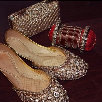 #roposo#footwear#photography#bridal#wedding#handbag#chura#bangles